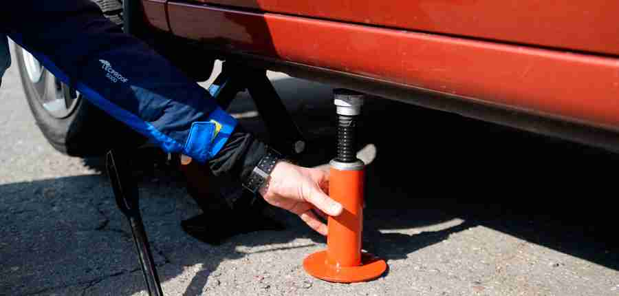 How to Use a Hydraulic Bottle Jack? A Step-By-Step Guide